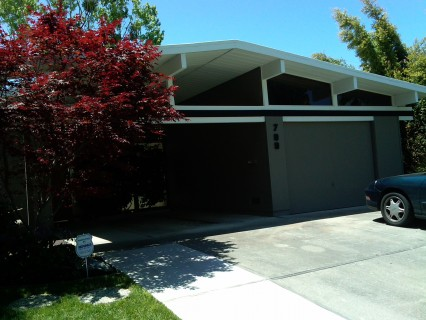 Eichler house near Cupertino High School